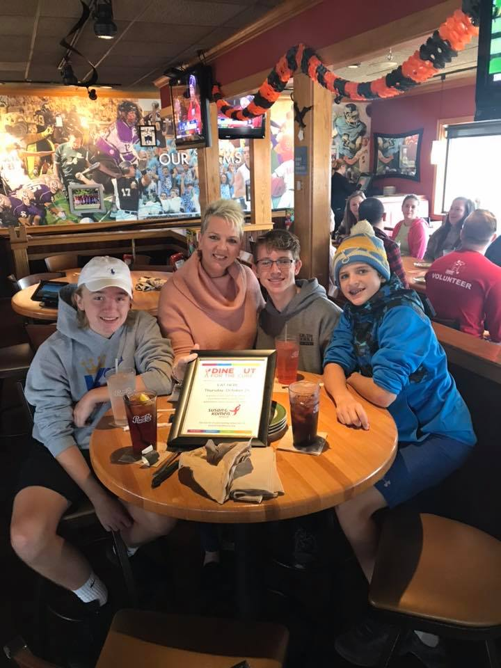 Dine Out Applebees 2018